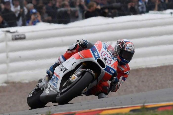 MotoGp, Ducati - Week-end difficile per Dovizioso e Lorenzo