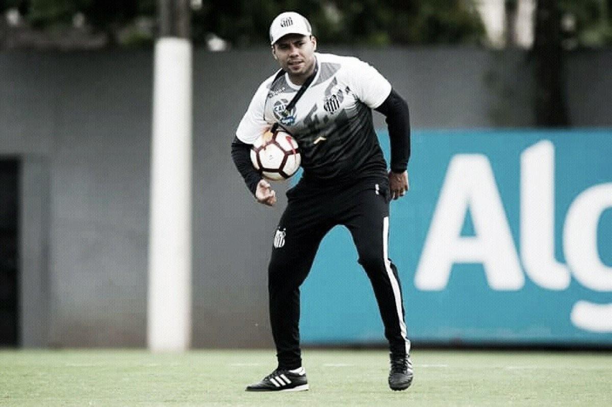 """Jair Ventura lamenta gol do Bahia no último minuto: """"Isso atrapalhou nossos objetivos"""""""