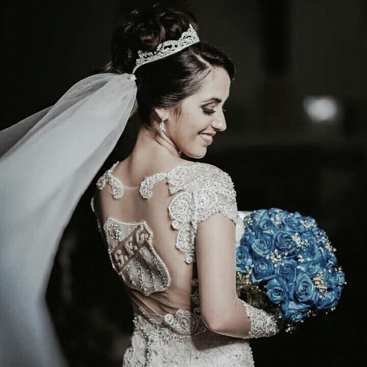 O Santos uniu, ninguém separa! Noiva faz homenagem e se casa com vestido do time do coração