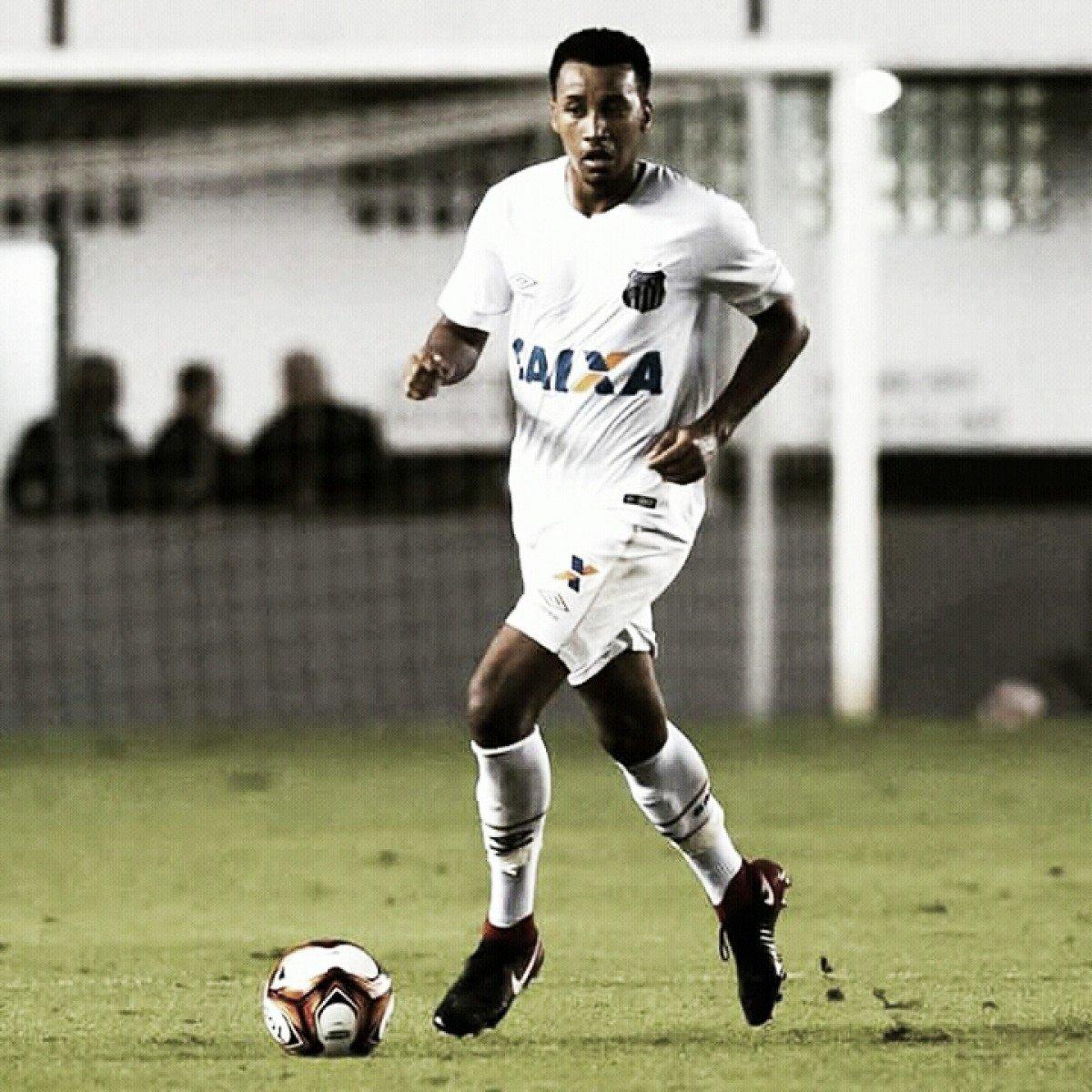 Comissão técnica do Santos chama Juliano do sub-23 para partida contra o Vasco