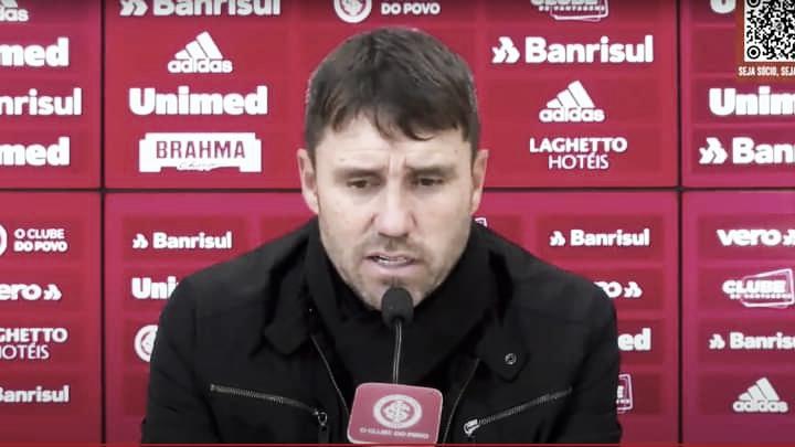 """Coudet admite culpa pelo jejum do Inter em Gre-Nais: """"Sou responsável pela parte mental"""""""