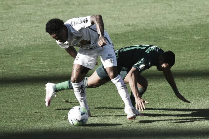Marinho volta a sentir coxa durante clássico e preocupa para sequência de jogos do Santos