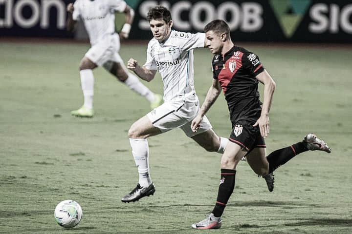"""Matheuzinho lamenta lance perdido do Atlético-GO diante do Grêmio: """"Situação não é agradável"""""""