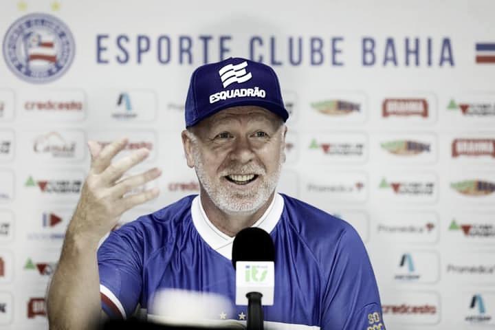 Mano Menezes é apresentado no Bahia e rasga elogios ao clube