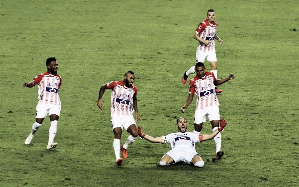 Junior se mantiene vivo en la Libertadores