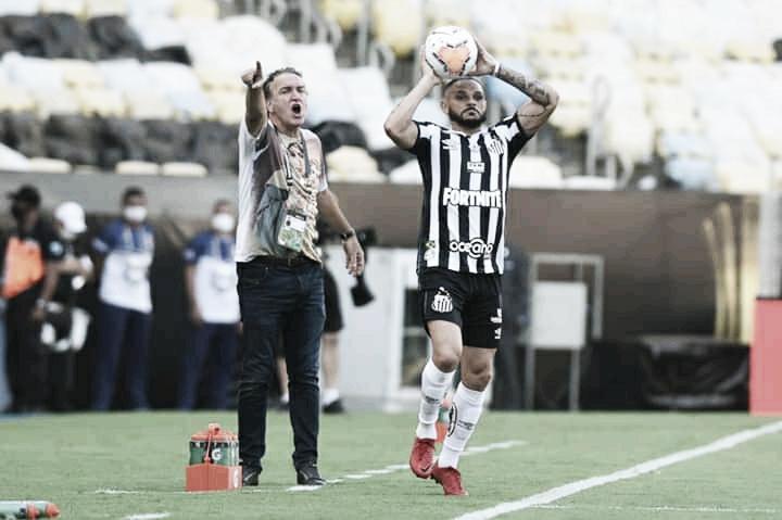 Auxiliar técnico do Santos admite que expulsão de Cuca desestabilizou equipe