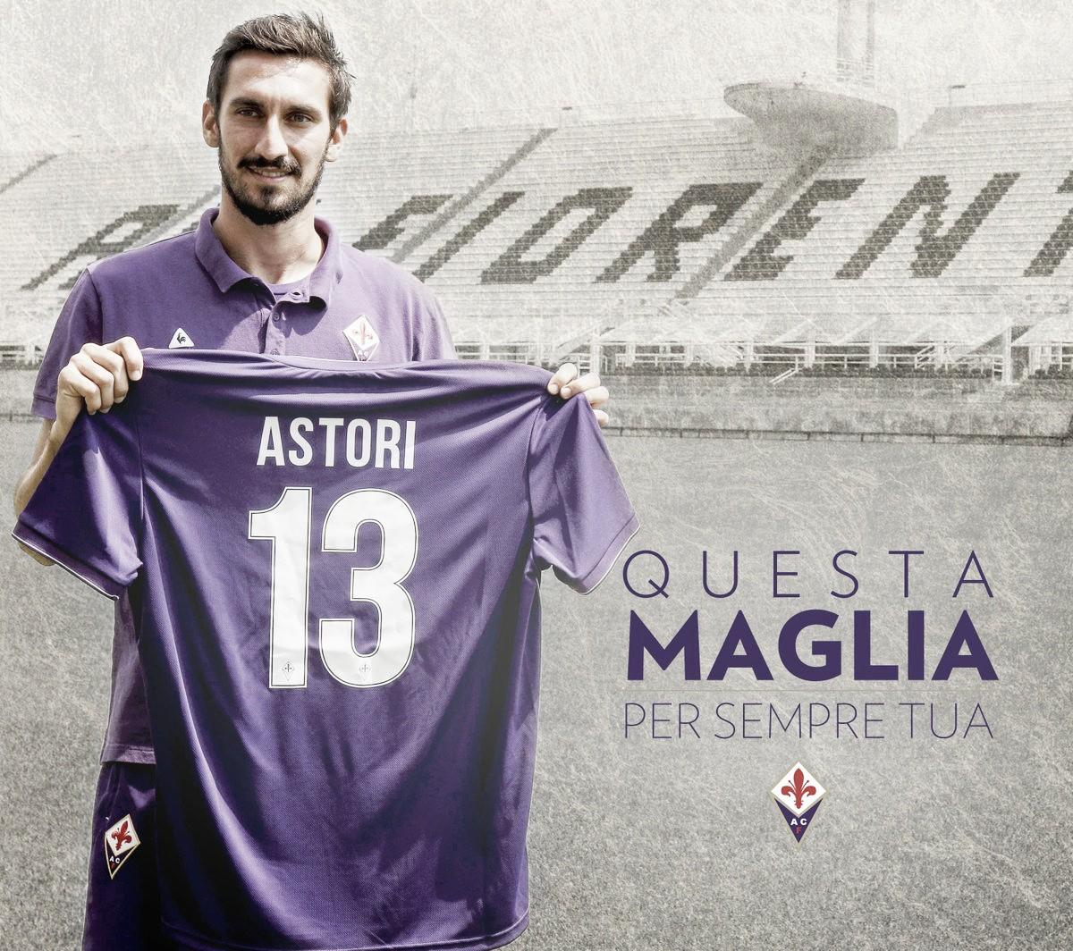 'Para sempre sua': Fiorentina e Cagliari aposentam camisa 13 em homenagem a Astori