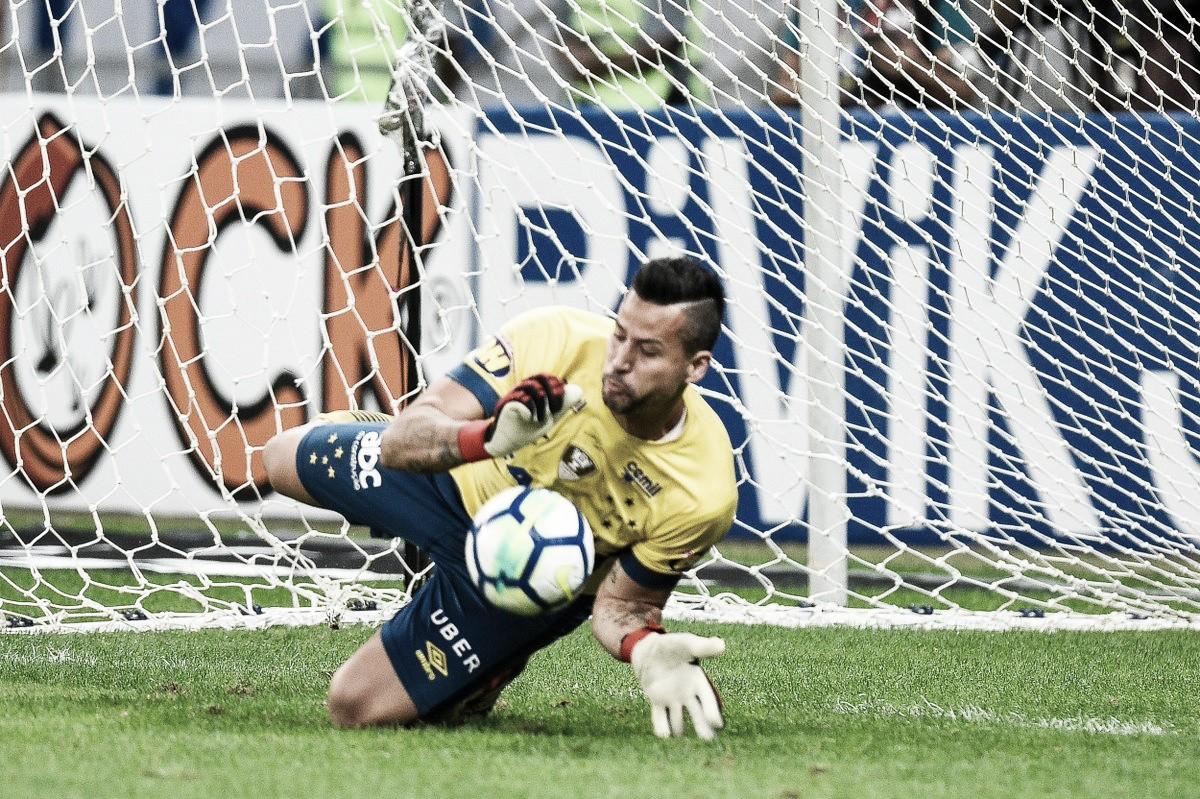 Fábio destaca companheiros de clube e trabalho duro após classificação do Cruzeiro