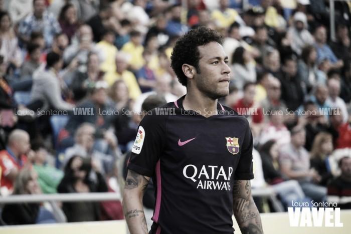 Neymar comunica al vestuario que se marcha del club