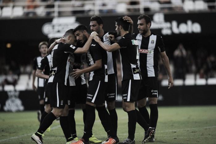 El Cartagonova disfruta un festín de goles