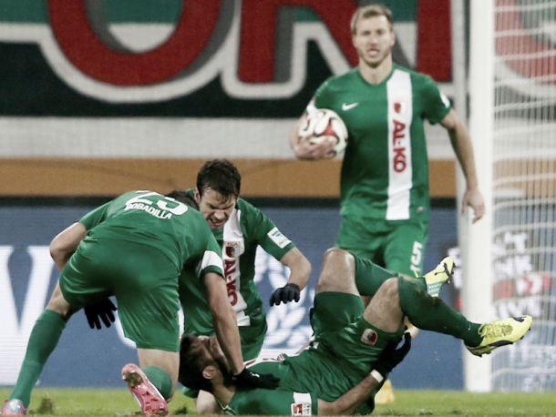 FC Augsburg 3-1 Hamburger SV: HSV collapse as Augsburg rise to fourth - Vavel.com