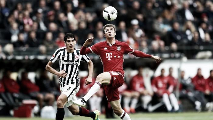 Bayern de Munique tropeça perante Eintracht Frankfurt, mas segue líder da Bundesliga