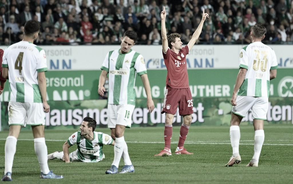 Sem gol de Lewandowski e com Pavard expulso, Bayern supera Greuther Furth