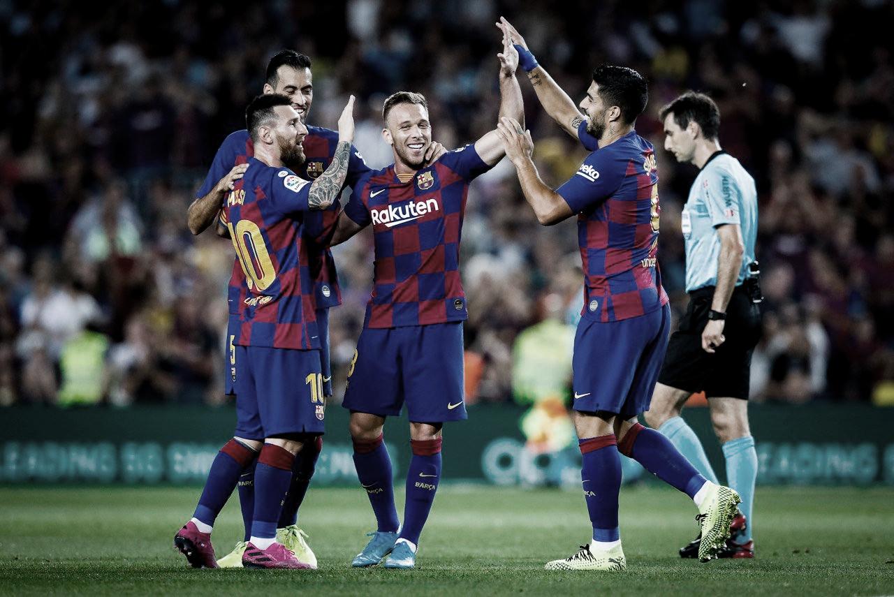 El Barça se impone al Villarreal y respira