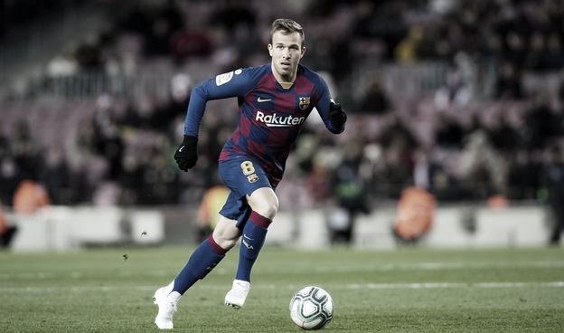 Barcelona confirma venda de Arthur para Juventus