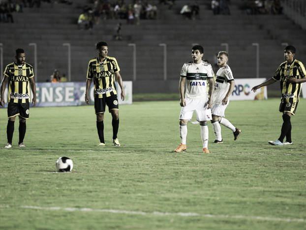 Pressionado após eliminação na Copa do Brasil, Coritiba enfrenta FC Cascavel no Paranense