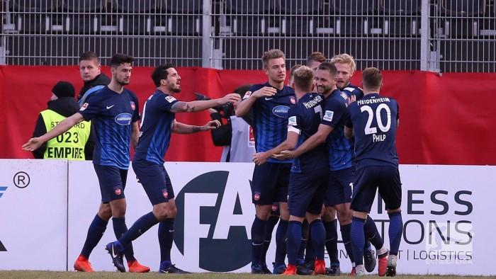 Würzburger Kickers 0-2 1. FC Heidenheim: Schnatterer serves up late double to gain vital win
