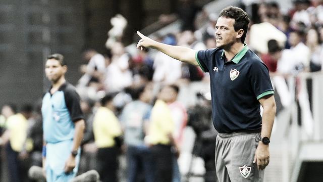"""Diniz vê saldo positivo na derrota contra o Vasco: """"Saímos com moral"""""""