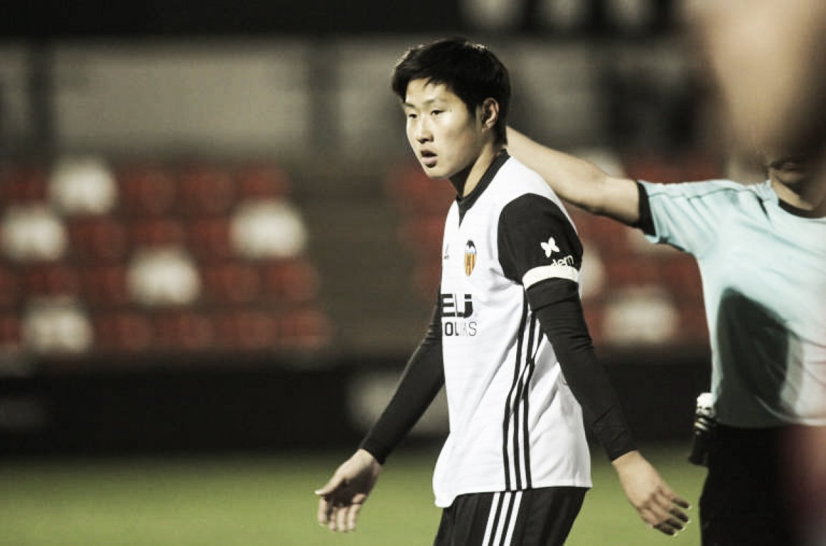 Kangin Lee renueva hasta 2022