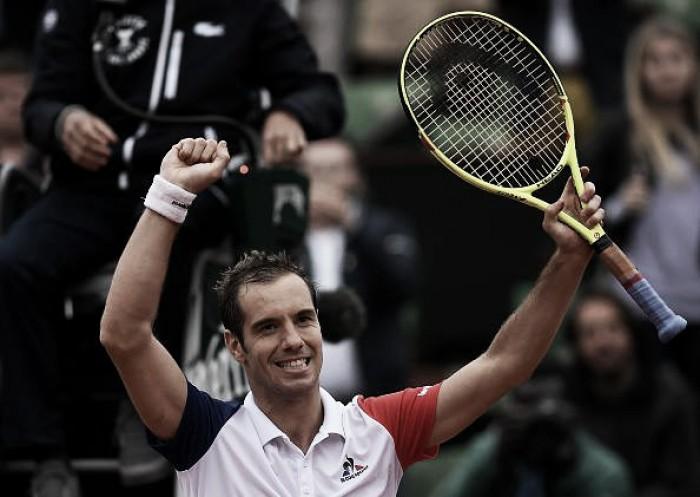 Gasquet derrota Nishikori e avança às quartas de Roland Garros