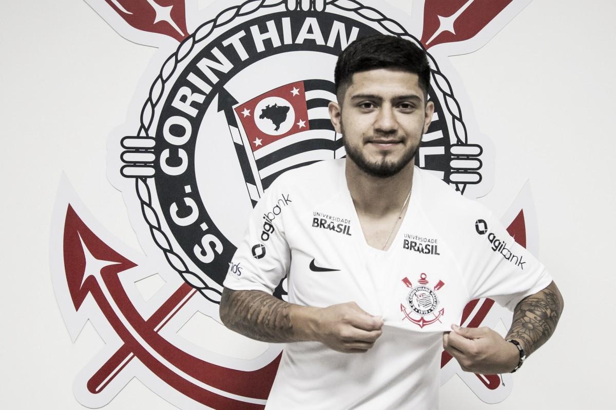 Em meio à saídas, Corinthians se mexe no mercado e anuncia Sergio Díaz até o final de 2019