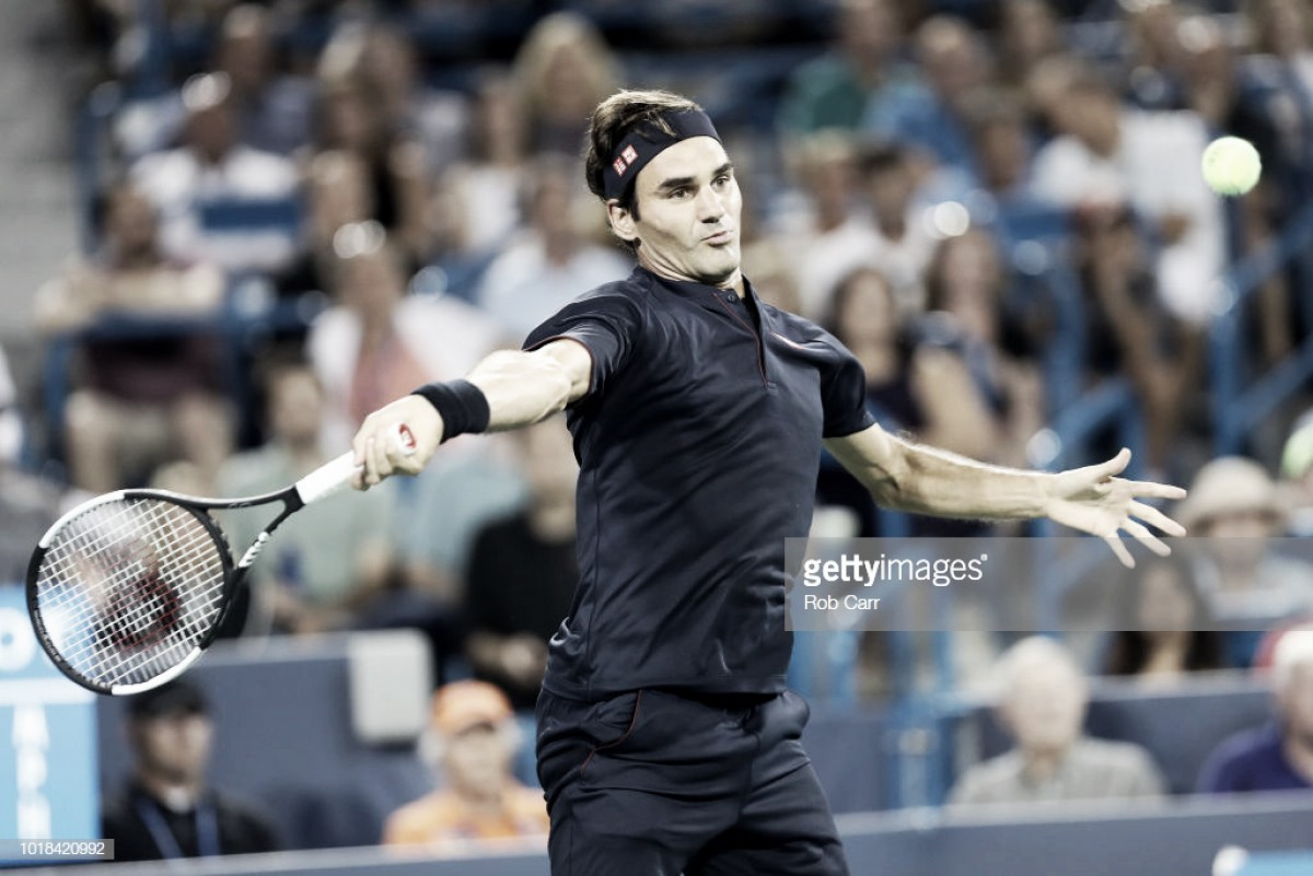 Federer suda la gota gorda para derrotar a Wawrinka