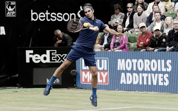 Roger Federer estreia com vitória sobre Struff em Halle