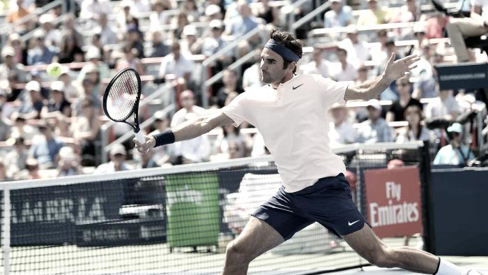 Federer sofre, mas vira sobre Ferrer e está nas quartas no Canadá