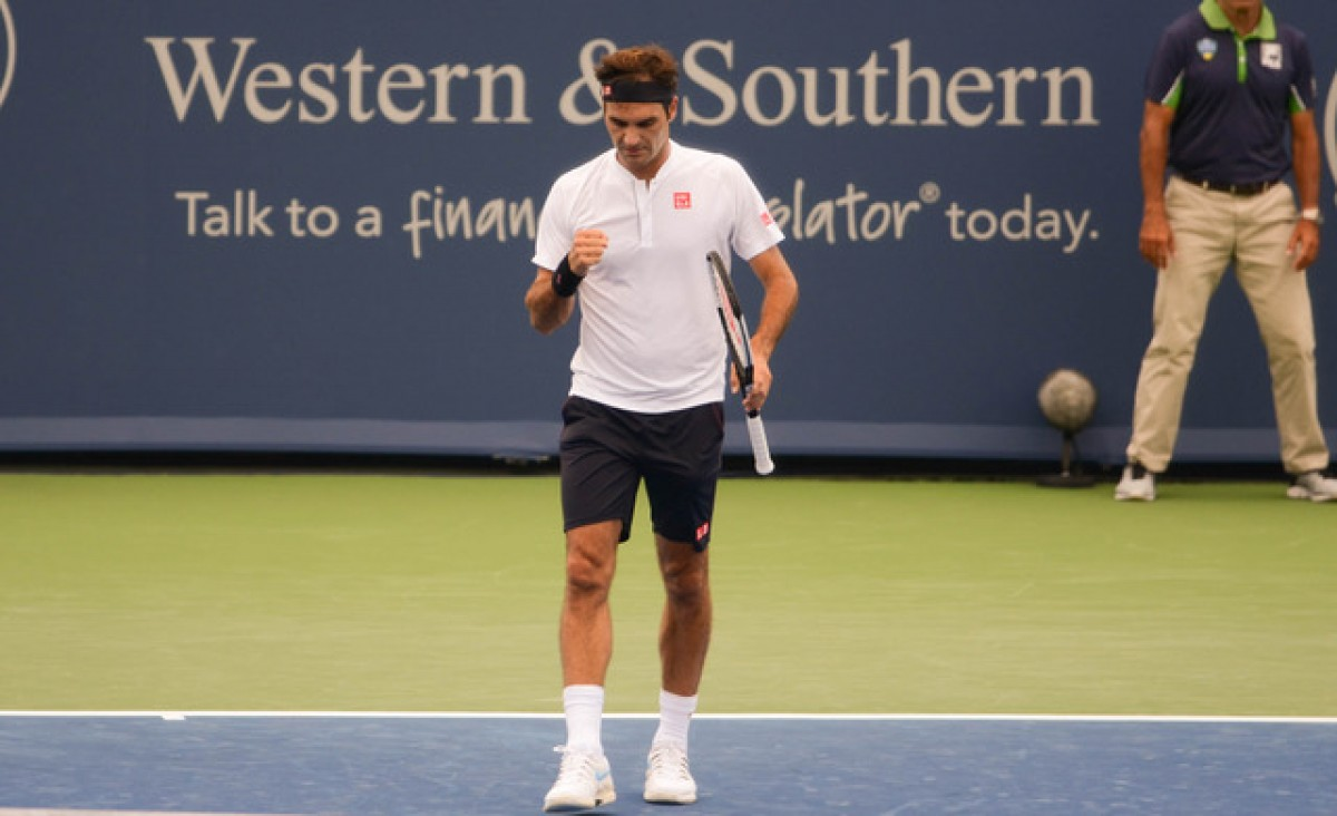 ATP Cincinnati: Roger Federer races through first Friday match