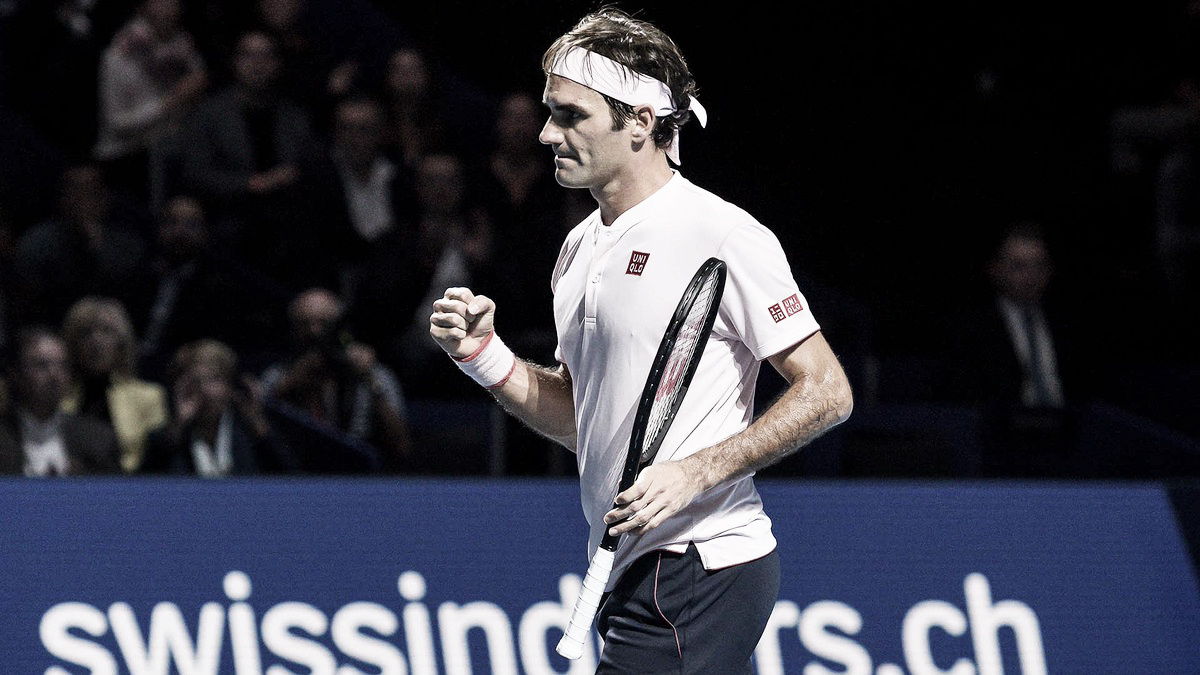 Em partida apertada, Federer supera Simon e segue em busca do nono título na Basileia