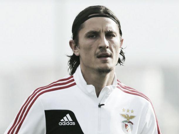 Benfica: Ljubomir Fejsa regressa à competição 11 meses depois