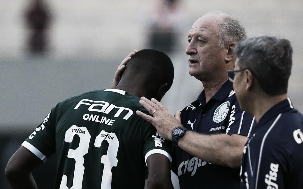 """Felipão elogia Carlos Eduardo pelo gol contra São Paulo: """"Foi feliz no chute"""""""