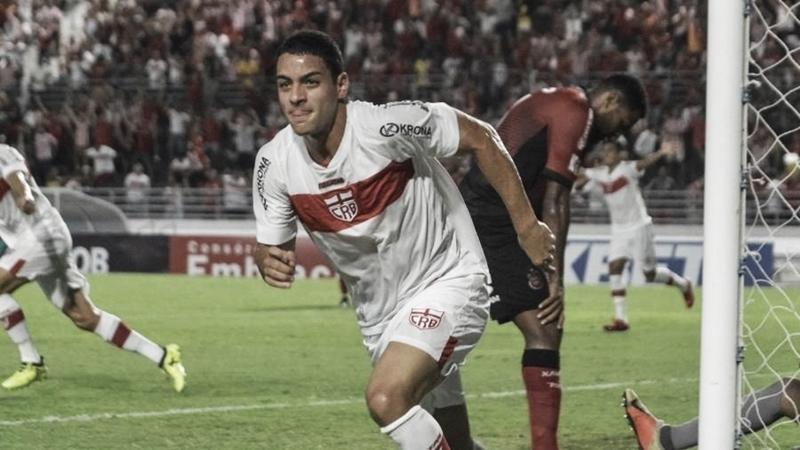 Vasco anuncia contratação do meia Felipe Ferreira, ex-CRB