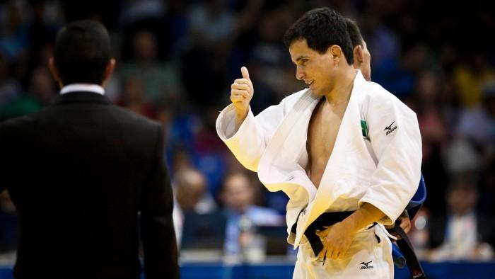 No judô, Felipe Kitadai estreia vencendo Francês no fim da luta