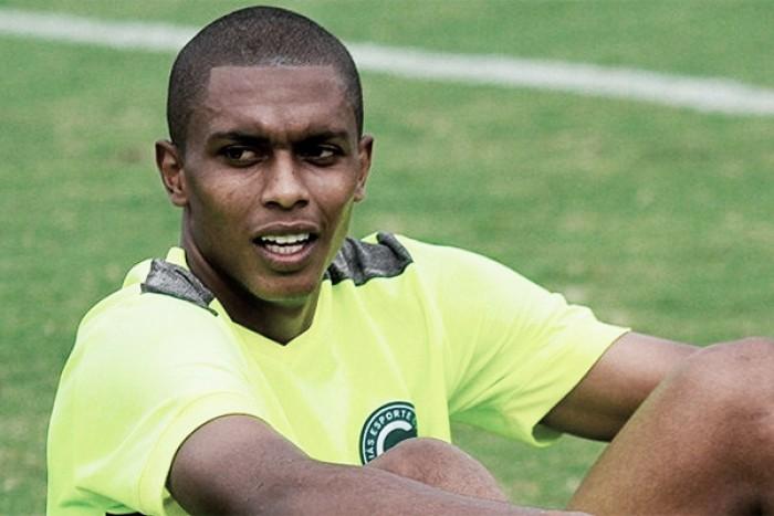 Zagueiro Felipe Macedo chega a BH para assinar contrato com o Atlético-MG