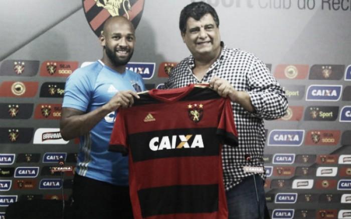 """Fellipe Bastos justifica acerto com Sport: """"Tive boas referências do clube"""""""