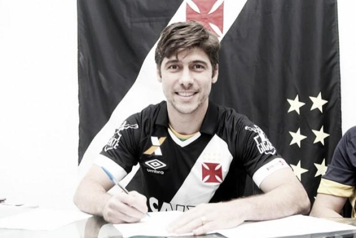 Vasco apresenta Fellype Gabriel como reforço para restante da temporada