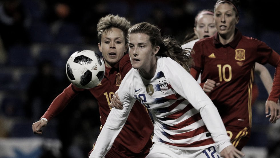 La selección femenina cae de pie y peleando ante Estados Unidos