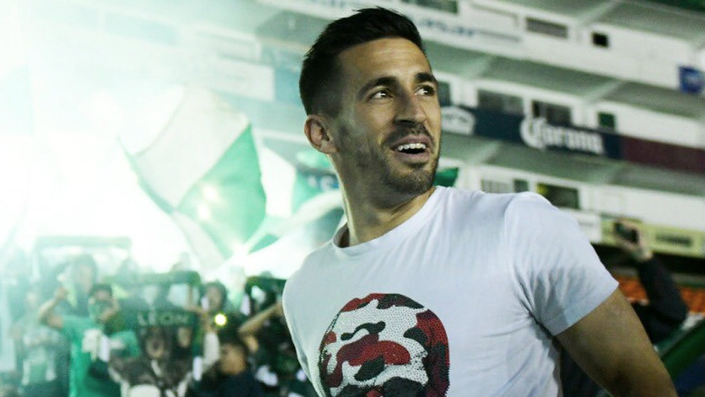 Fernando Navarro, fiera por tres años más