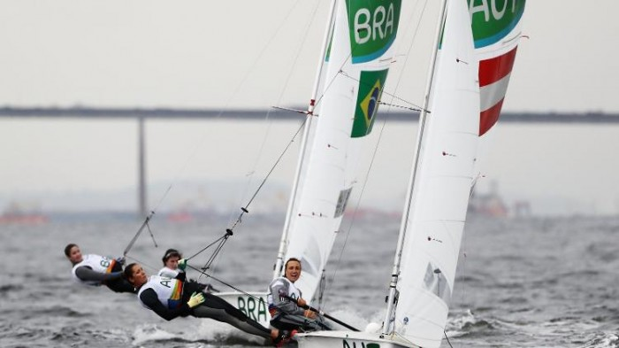 Vela: Scheidt fecha o dia em 4°, Stipanovic lidera na Laser, e brasileiras brilham na 470