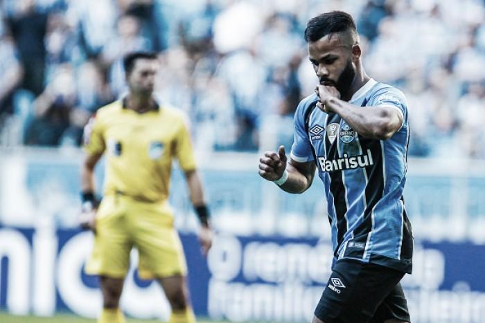 Robinho perde pênalti, Grêmio liquida partida no primeiro tempo e vence Atlético-MG
