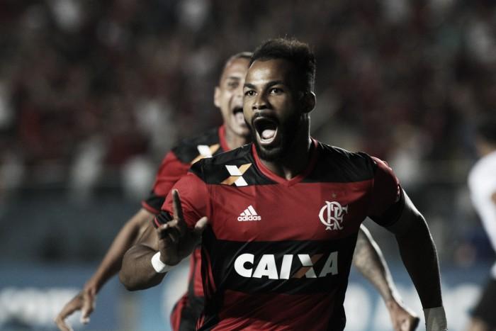 Fernandinho comemora primeiro gol com a camisa do Fla; Damião reprova atitude de Rafael Silva