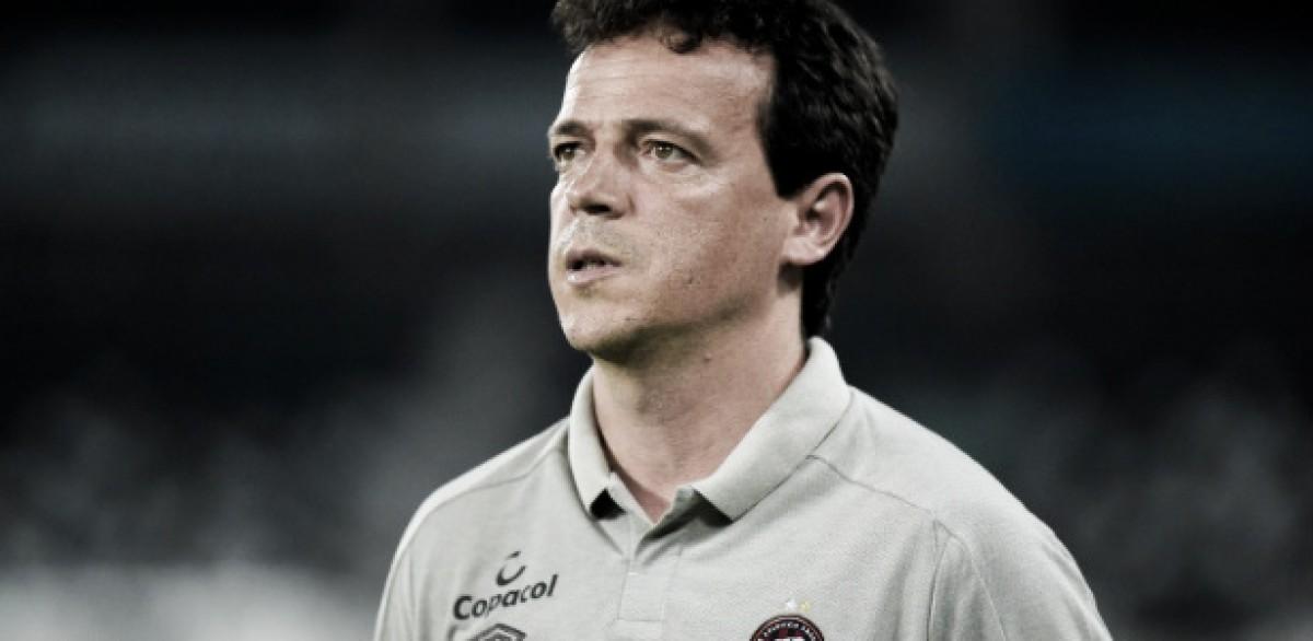 Na volta dos treinamentos, Fernando Diniz é demitido do Atlético-PR