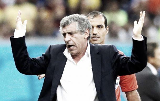Treinador da Grécia já tinha passagem para deixar o Brasil após jogo contra Costa Rica