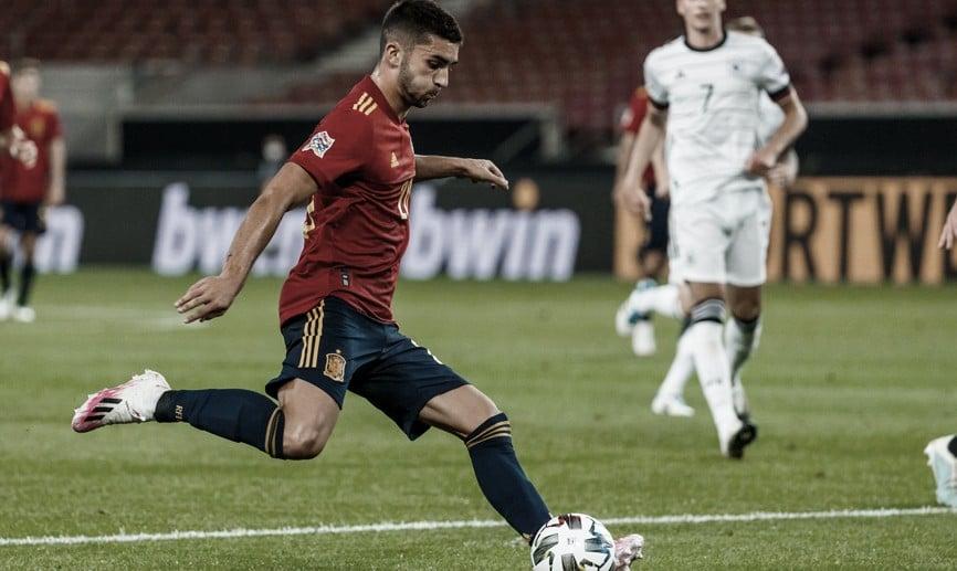 Ferrán Torres, Mikel Merino y Gayá, muy contentos con sus debuts y con su gol