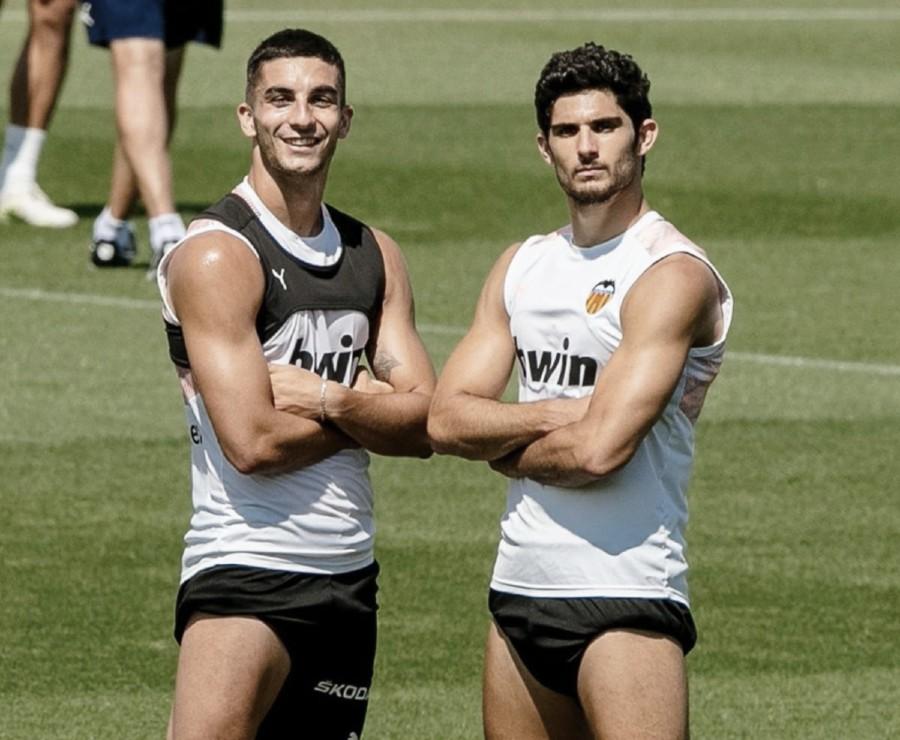 La temporada de los jugadores del Valencia, vista desde los extremos