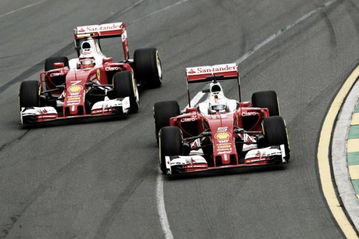 El doble pinchazo de Ferrari deja el Mundial en un punto