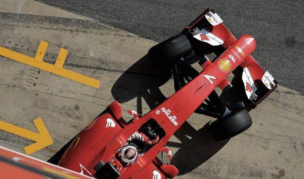 Kimi Räikkönen escapa a penalização na Malásia