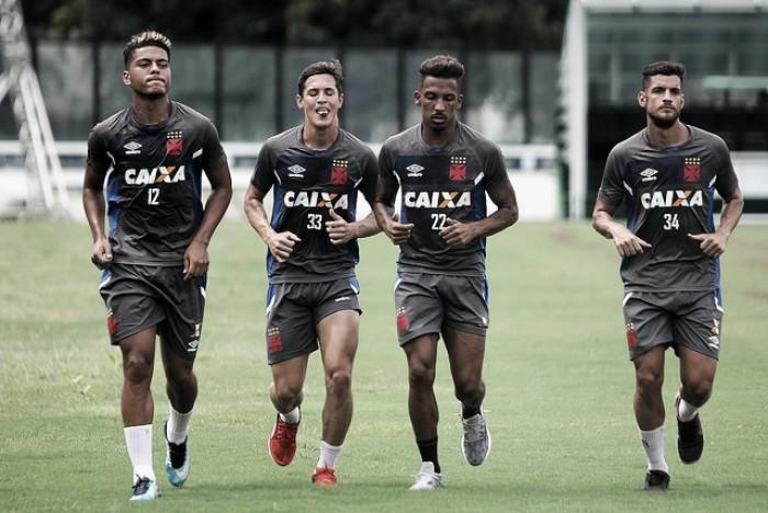 """Mesmo com poucos reforços, Vasco se reapresenta """"motivado"""" para 2018"""