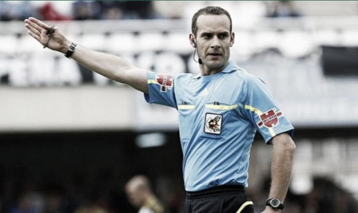 Melero López, árbitro en el Camp Nou